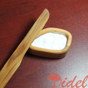 Солонка из дерева с ножом